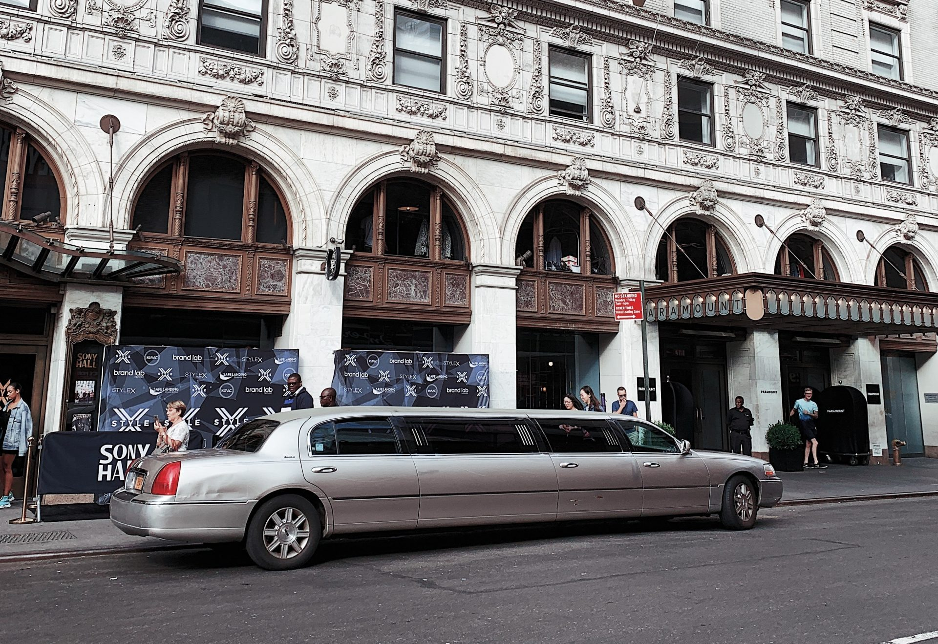 image of a limo in front of a building
